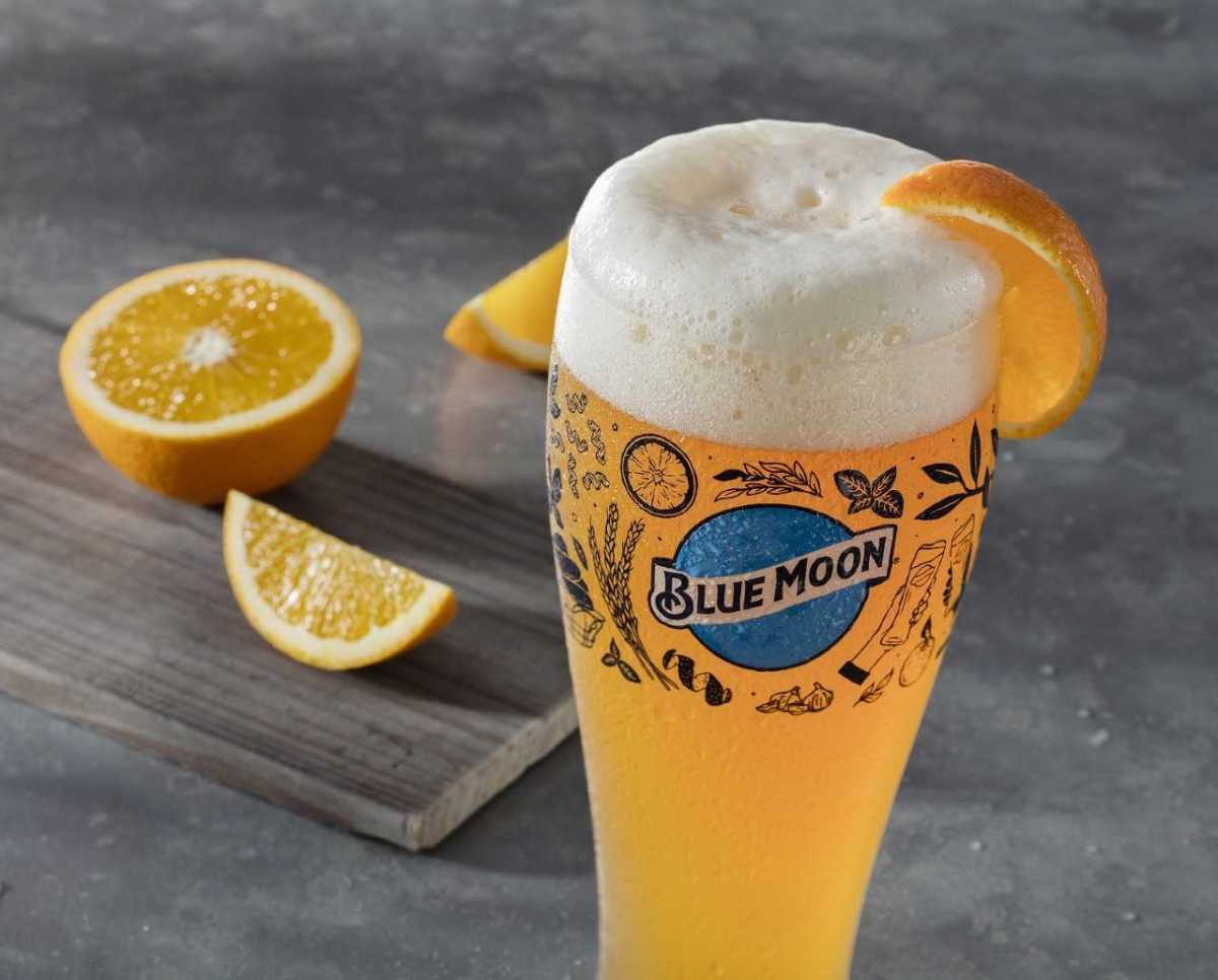 Blue Moon Glasses Will Be Available At Olive Garden For This Year?s Blue Moon photo
