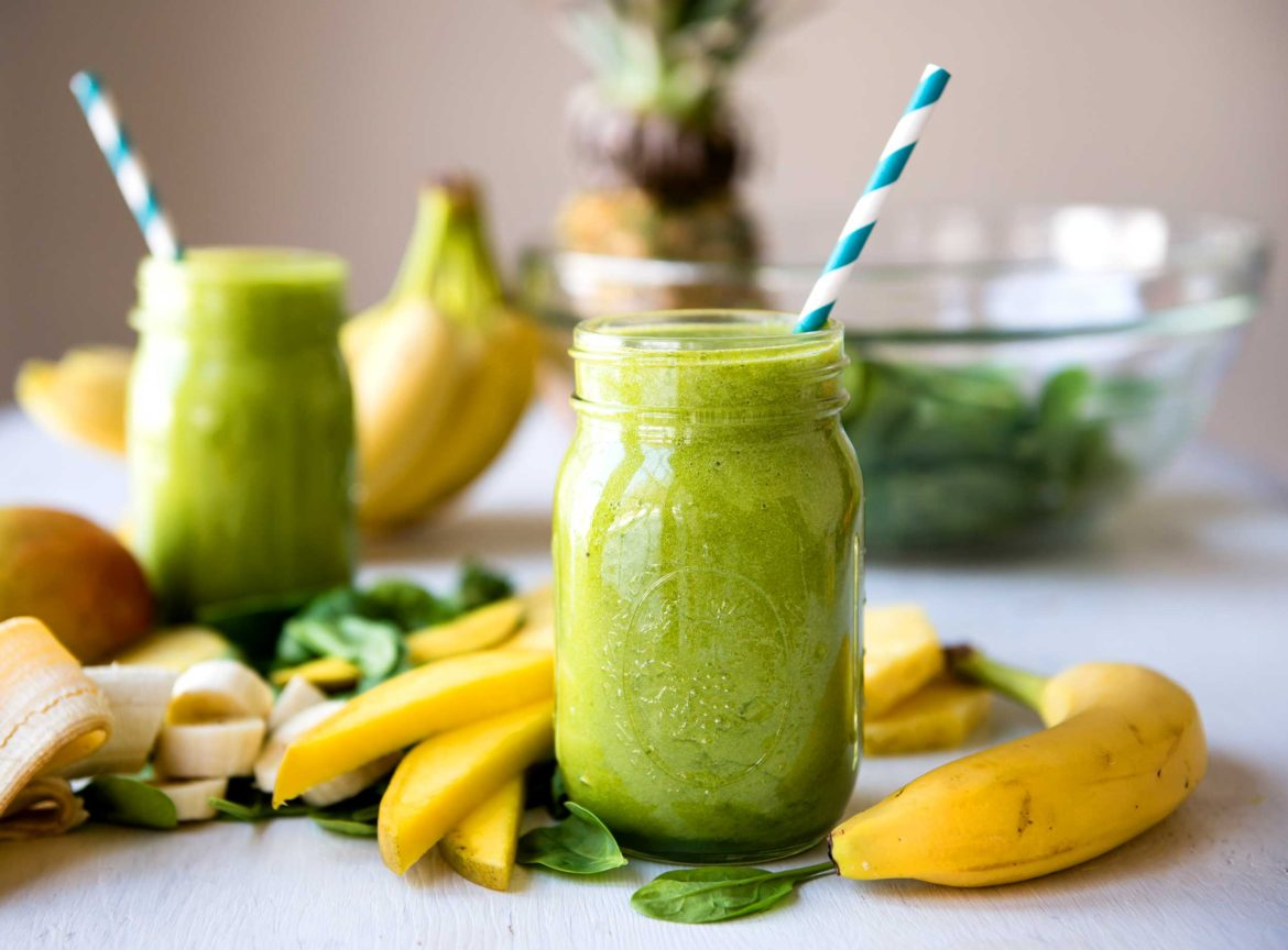 Start Your Day Off Right With This Filling Green Smoothie photo