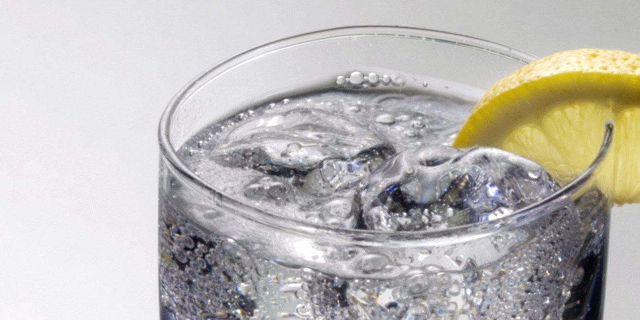 The Difference Between Sparkling, Mineral, Tonic, Club Soda, And Seltzer Water photo