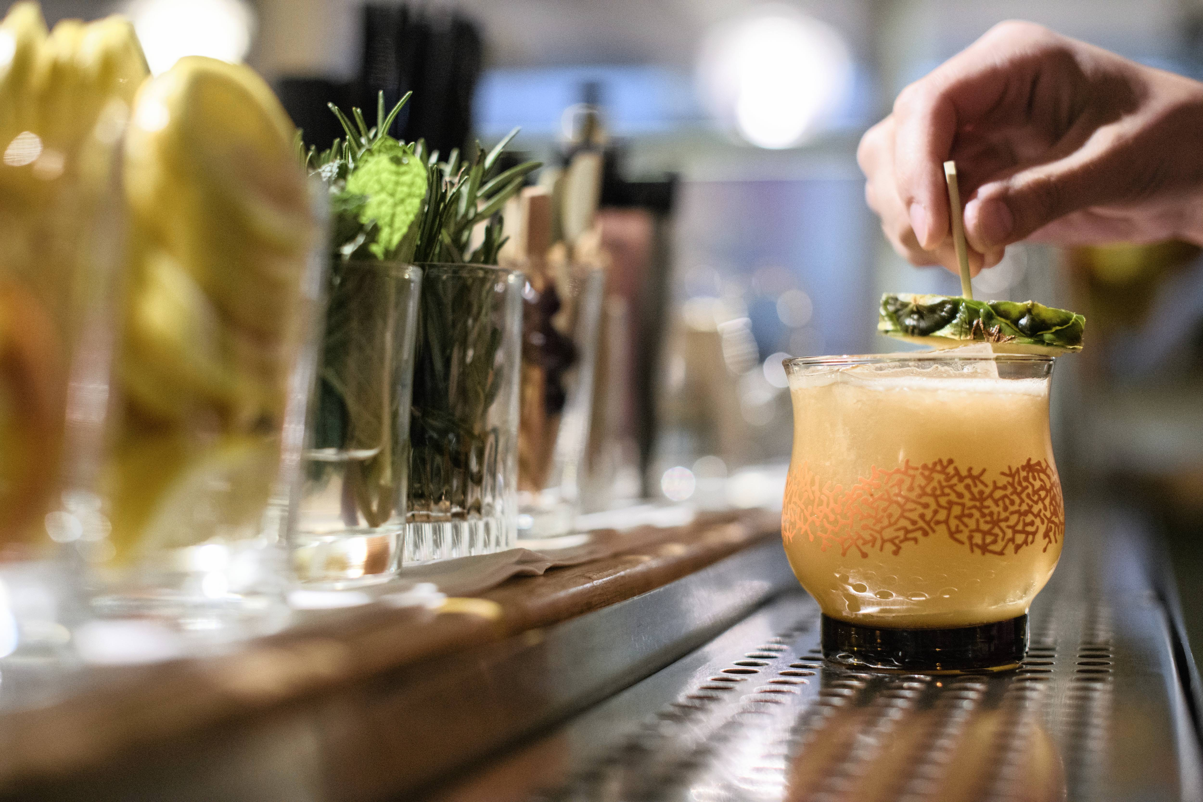 How To Make A Pineapple Cocktail photo