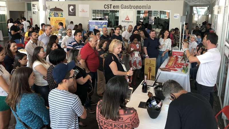 Cooperativa Vinícola Garibaldi Promove Aproximação Com Influenciadores Digitais photo