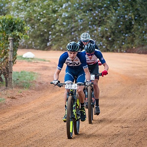 Heyns, Du Toit Fight Back To Win At Winelands Encounter photo