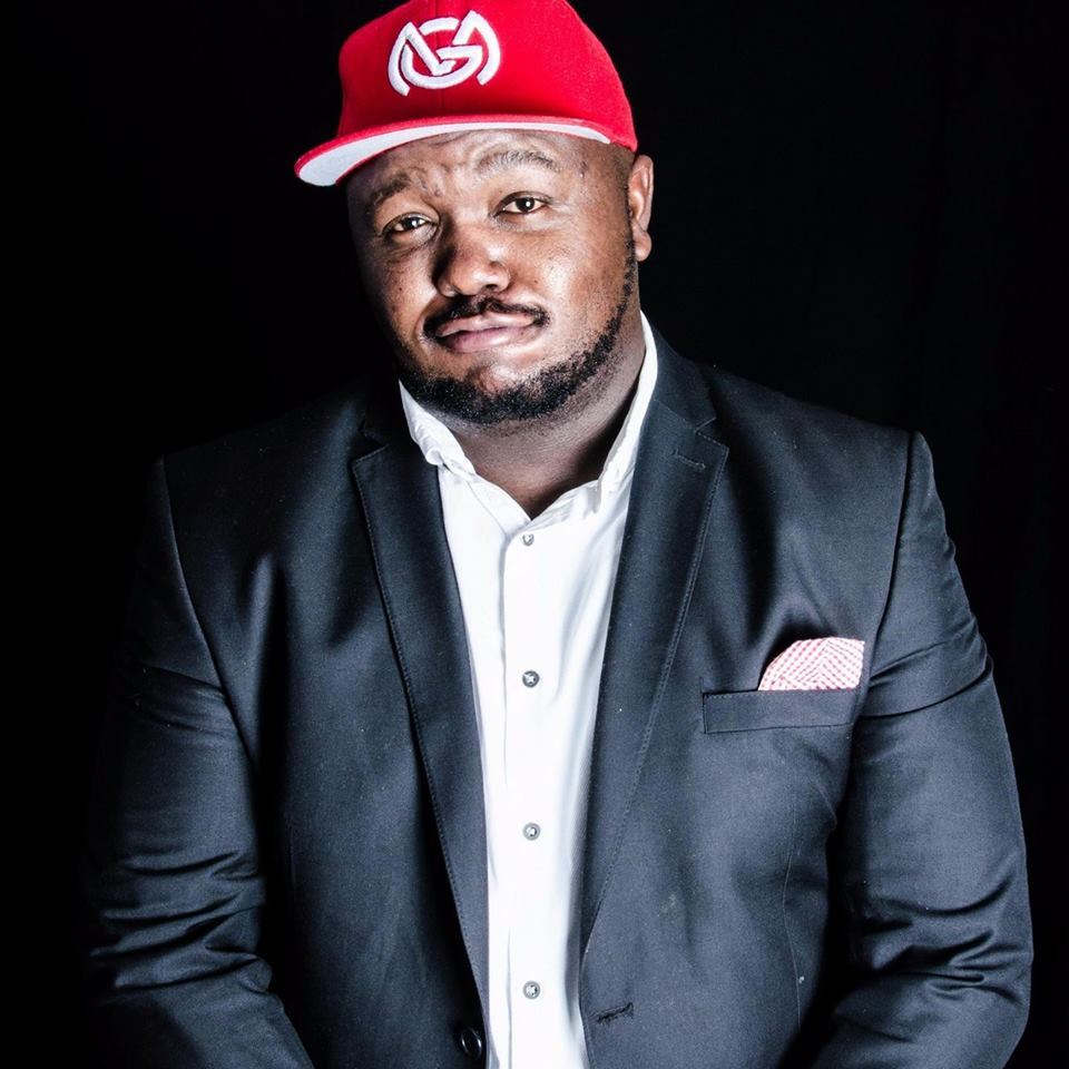Comic Skhumba Hlophe To Host 'the Savanna Newcomer Showcase' photo
