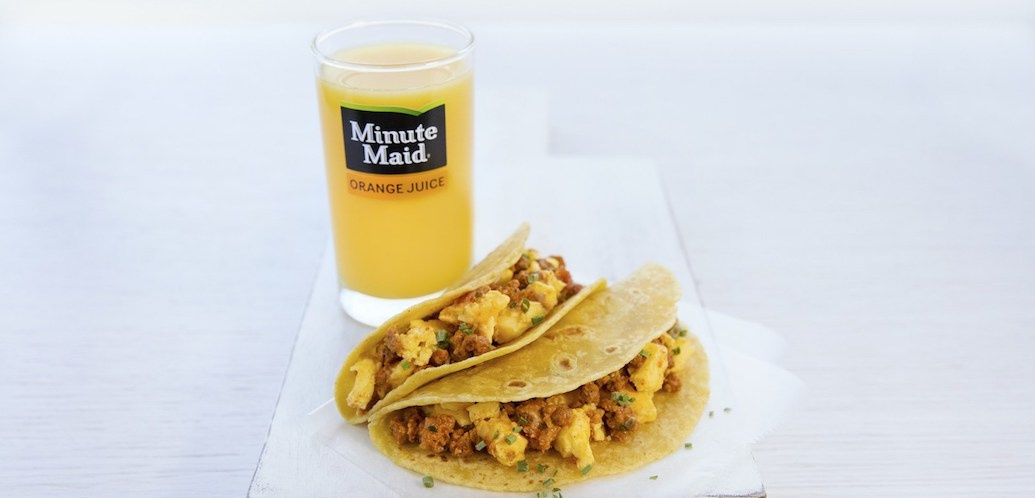 United Airlines To Serve Stella Artois And Breakfast Tacos photo
