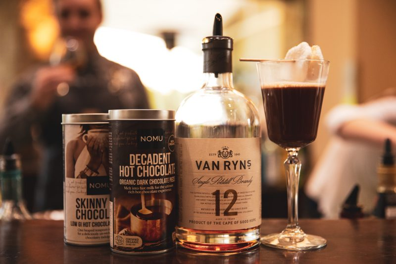Van Ryns Coco Choco wine cocktail e1524473977931 Own winter with Van Ryn's brandy and NOMU hot chocolate