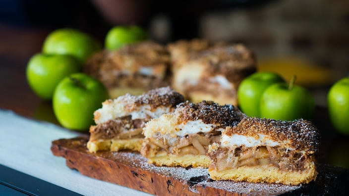 Just Like My Mother: The Polish Apple Cake Winning Over Locals photo