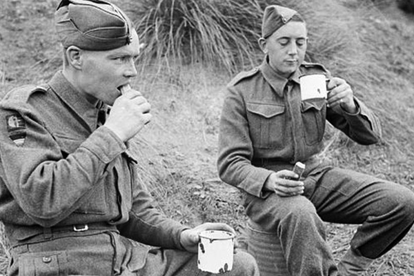 The Year Britain Bought Up All The Tea In The World photo