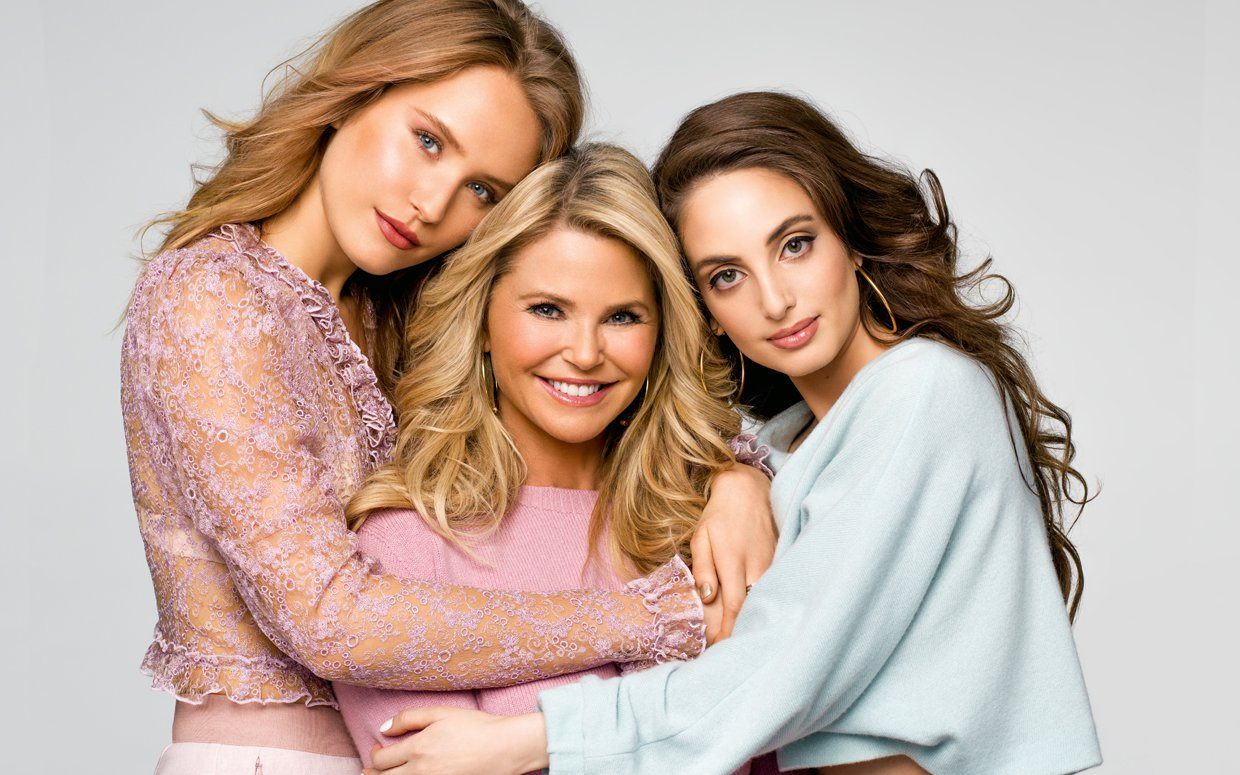 Christie Brinkley And Her Daughters Dish On Lessons Learned From Mom photo