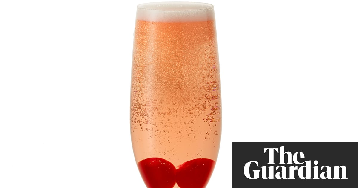 Cocktail Of The Week: Bakewell Fizz photo