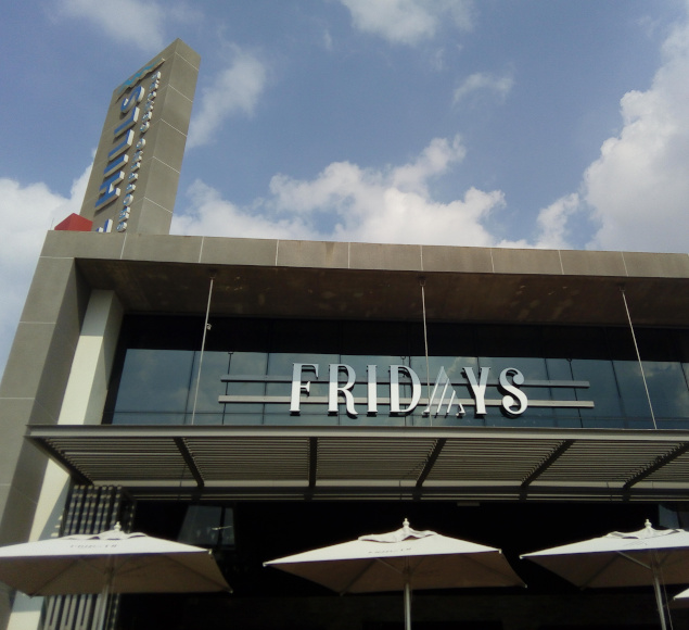 Fridays Makes A Case For A Casual Fine Dining Experience photo