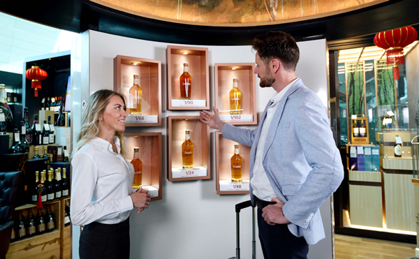 'new Level Of Luxury?: Le Clos And William Grant Launch Glenfiddich Gallery At Dubai Airport photo