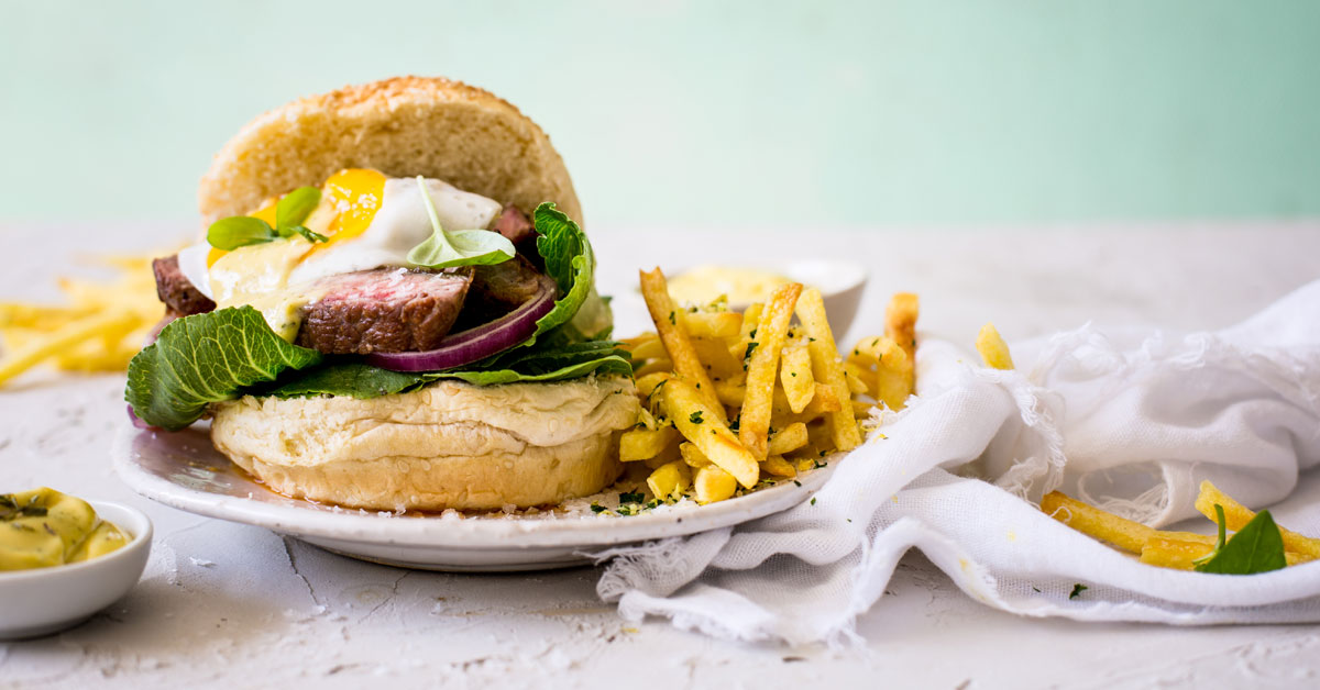Steak Burger With Béarnaise Sauce And Gremolata Skinny Fries photo