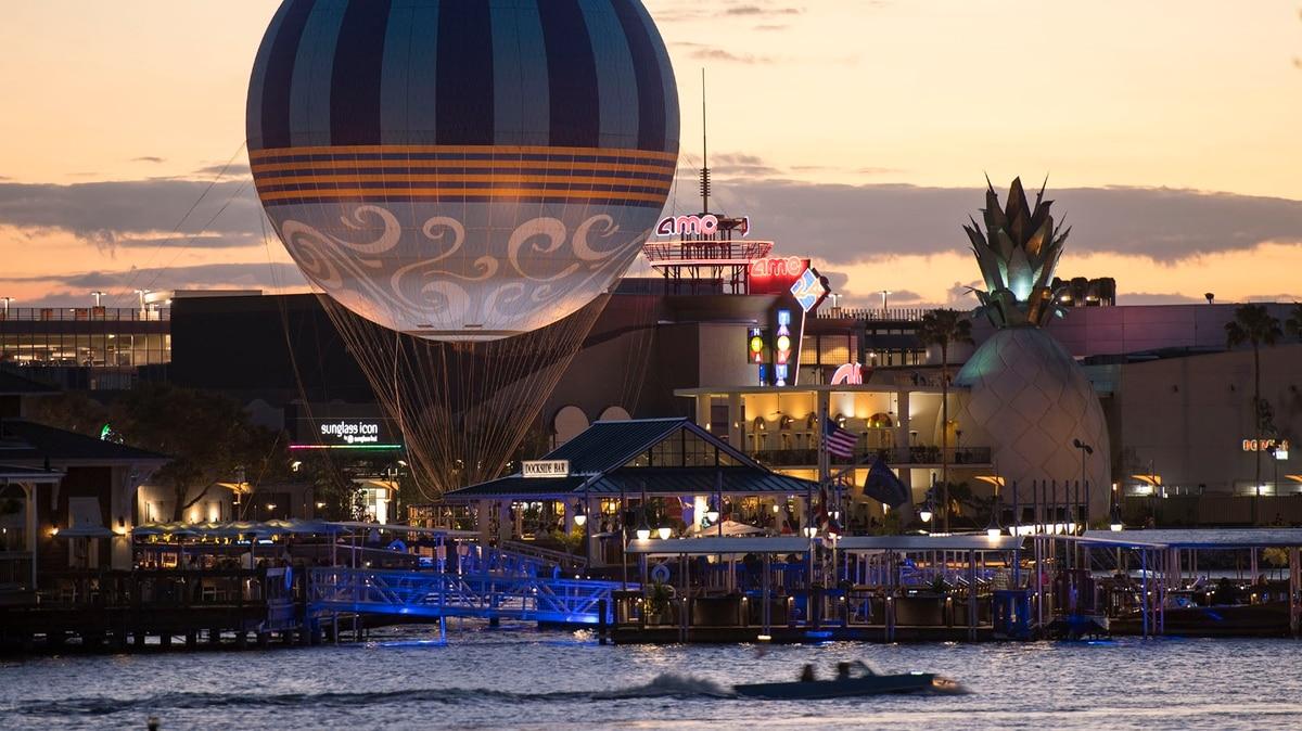 Solo Para Coleccionistas: Cómo Es La Tienda Disney Más Grande Del Mundo photo