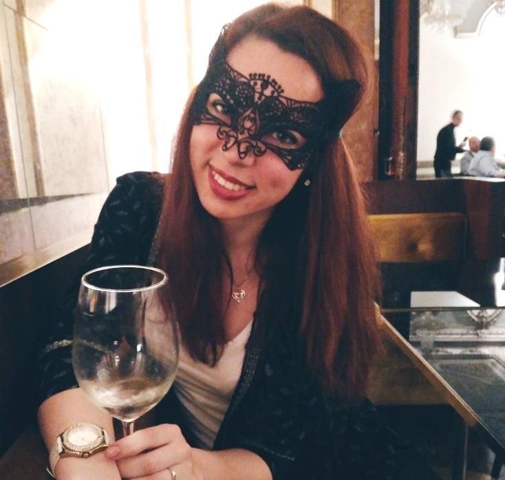 Halbtrockener Wein, Versteck Dich Nicht! photo