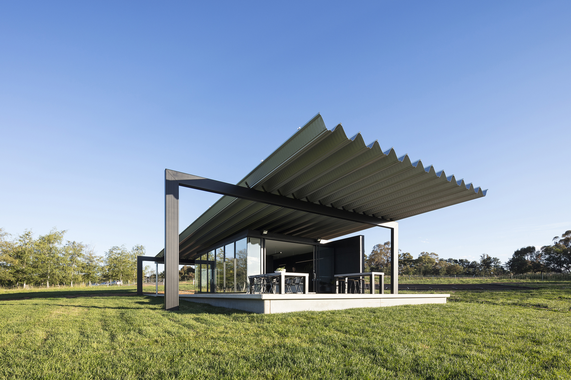 Montoro Wines Cellar Door / Source Architects photo
