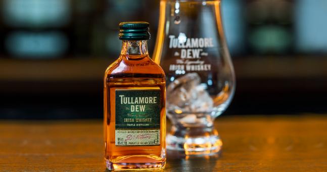 Irish Whiskey Brand Tullamore D.e.w. Lands Partnership With Aer Lingus photo