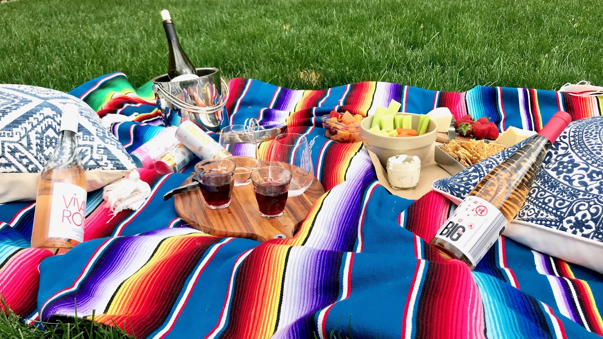 How To Plan For Your Next Picnic In Ontario Wine Country photo