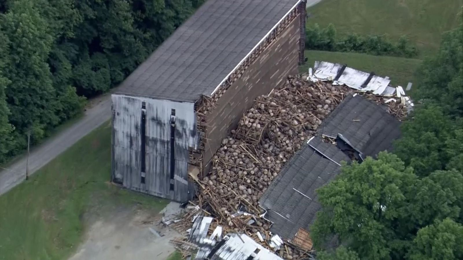 9,000 Whiskey Barrels Crash To Ground In Warehouse Collapse In Kentucky photo