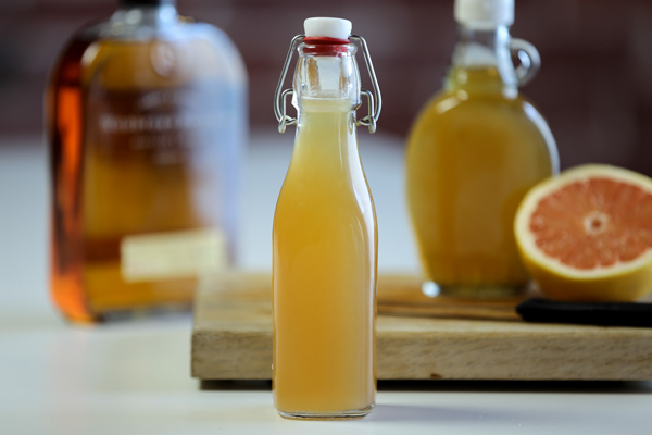 How to make your own bottled cocktails photo