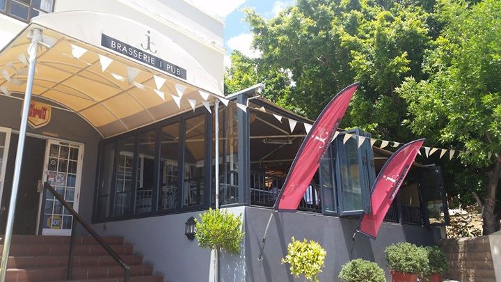 21740729 1906604642689381 9135753652300330751 o 20 Best Spots to Celebrate #NationalBeerDay At In Cape Town