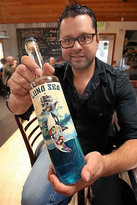 Santa Cruz Vodka Maker Creates Color-transforming Drink photo
