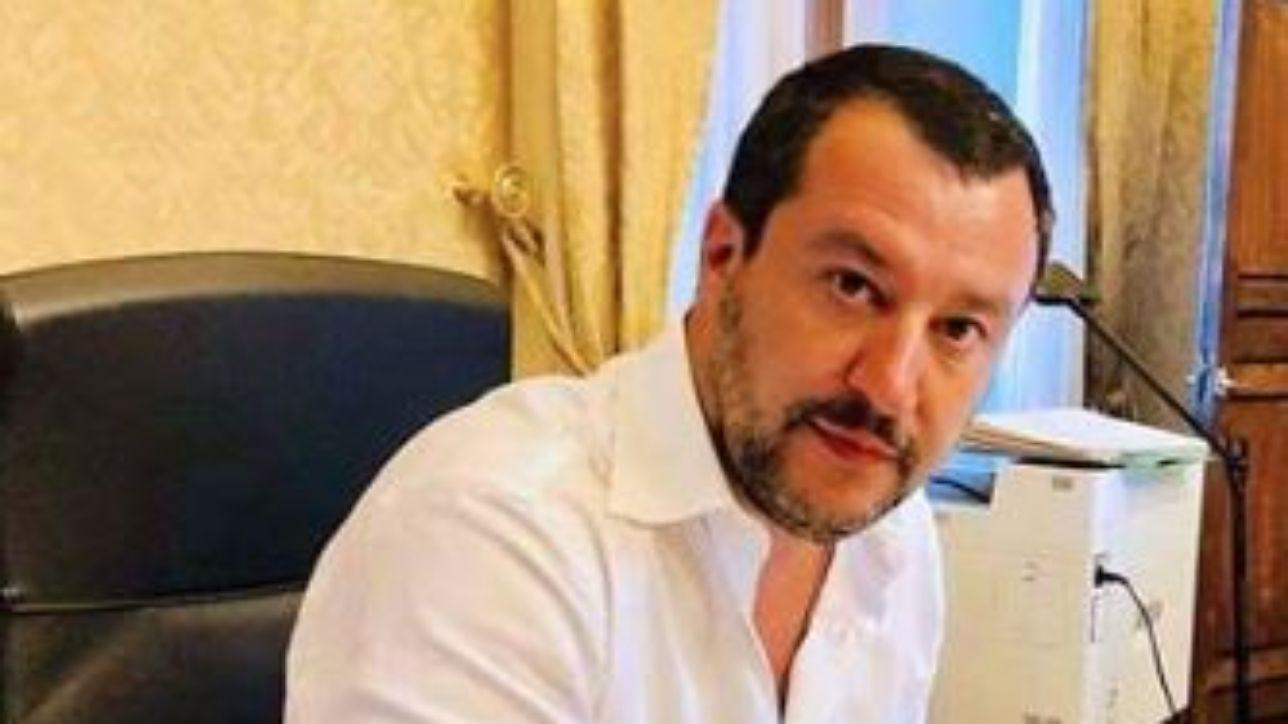 """Migranti, Salvini Scrive Ai Prefetti: """"stretta Sulle Richieste Di Asilo"""" photo"""