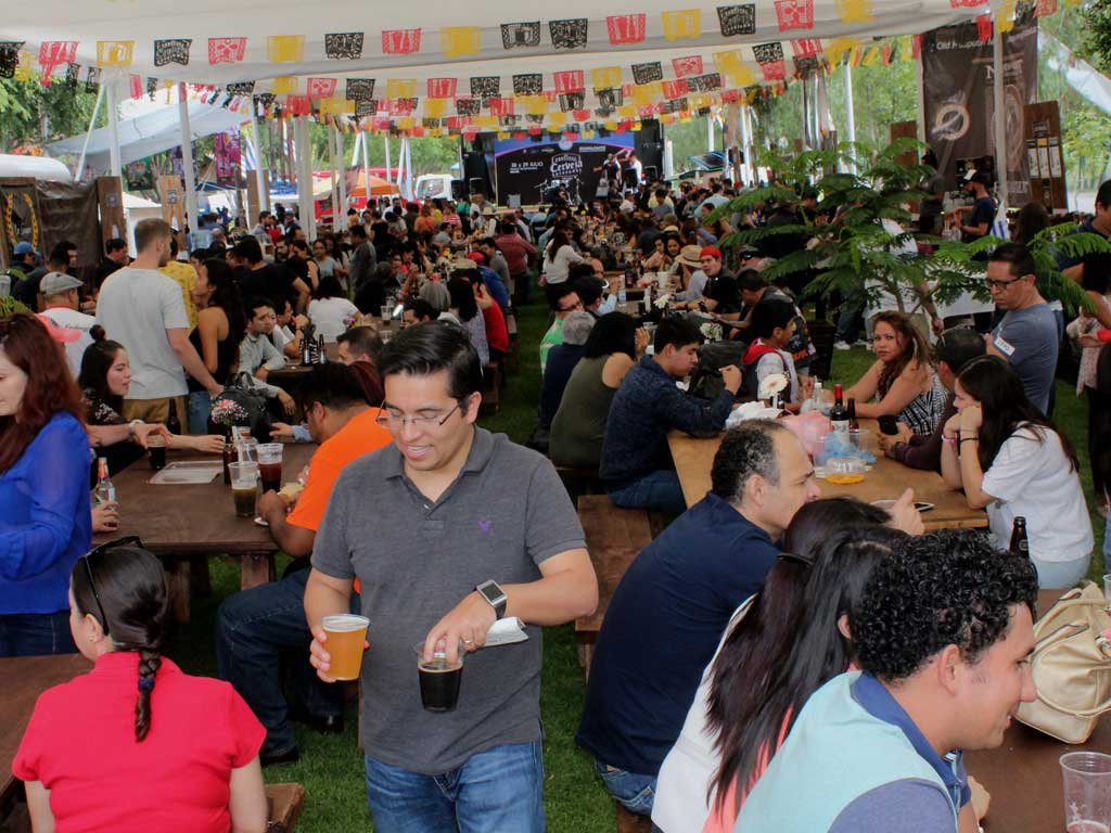 Se Inaugura 'festival De La Cerveza Artesanal' photo