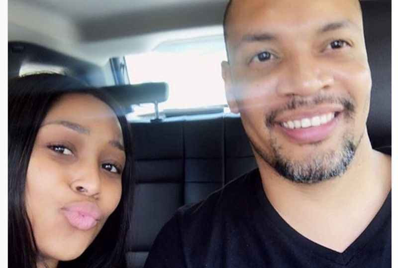 Minnie Dlamini & Hubby Celebrate Their First Traditional Wedding Anniversary photo