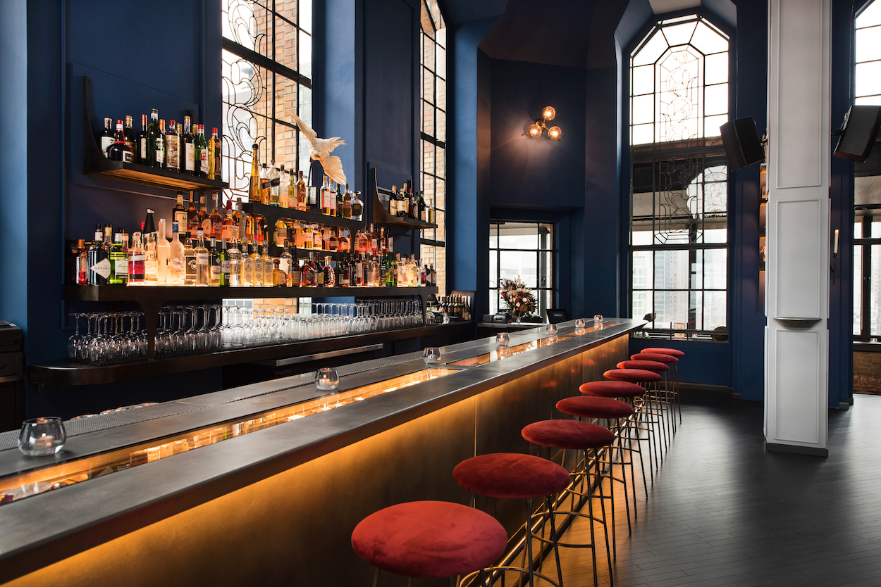 Manhattan Cocktail Bars Are Upping The Style Quotient photo
