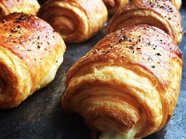 Rockstar Baker Opens Croissant Café With Supermarket Chain photo