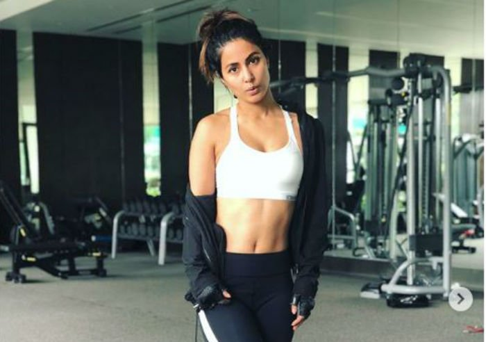 Hina Khan Flaunts Her Washboard Abs In A Monochrome Gym Wear & We Cannot Take Our Eyes Off Her- See Photos photo