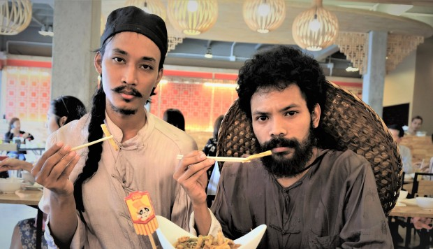 Thai Duo?s Hilariously Quirky Food Review Videos Celebrate Bangkok?s Rich Food Scene ? And The Internet Loves Them photo
