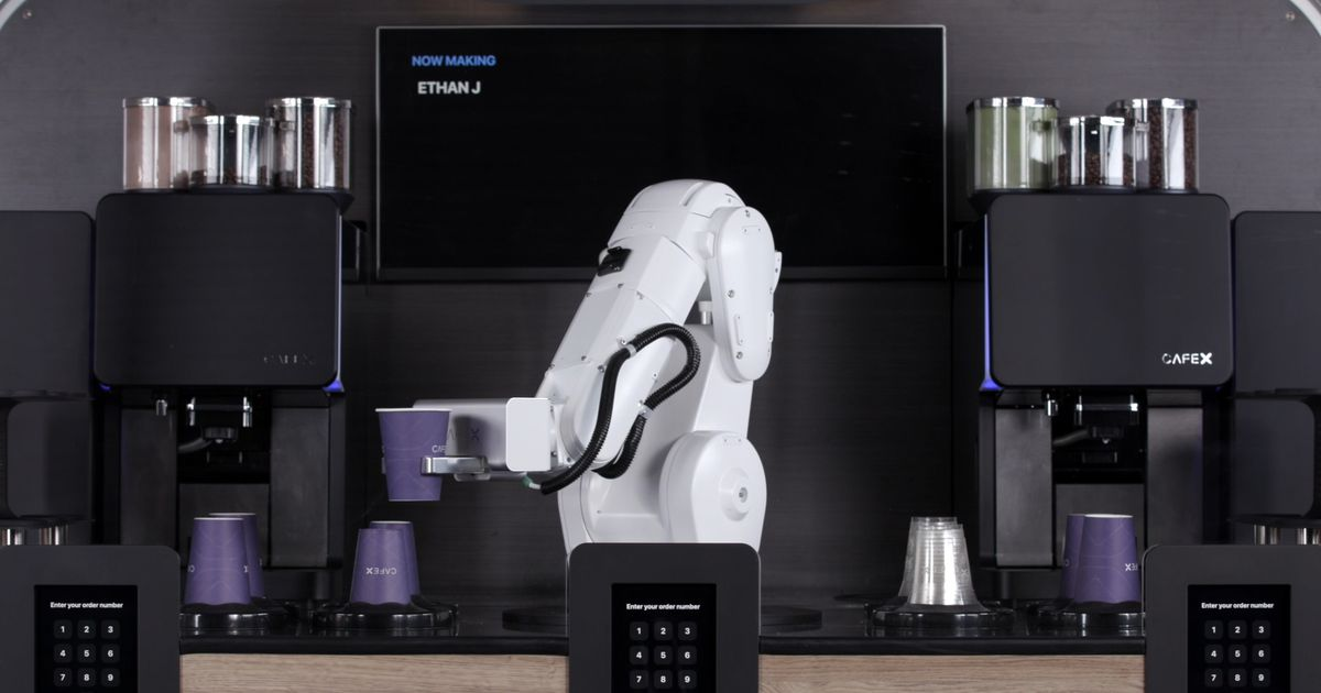 This Robotic Coffee Bar Can Prepare 3 Drinks In 40 Seconds photo