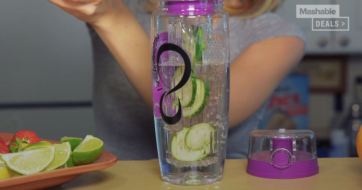 Water Will Never Be Boring Again With This Infuser Bottle photo