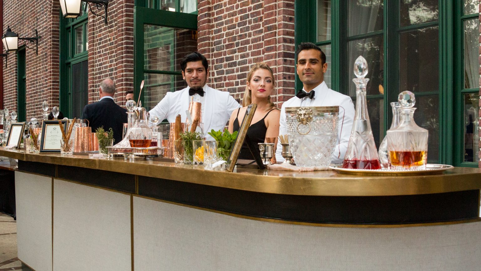 Why Cocktail Catering Is A Good Side Hustle For Bartenders photo