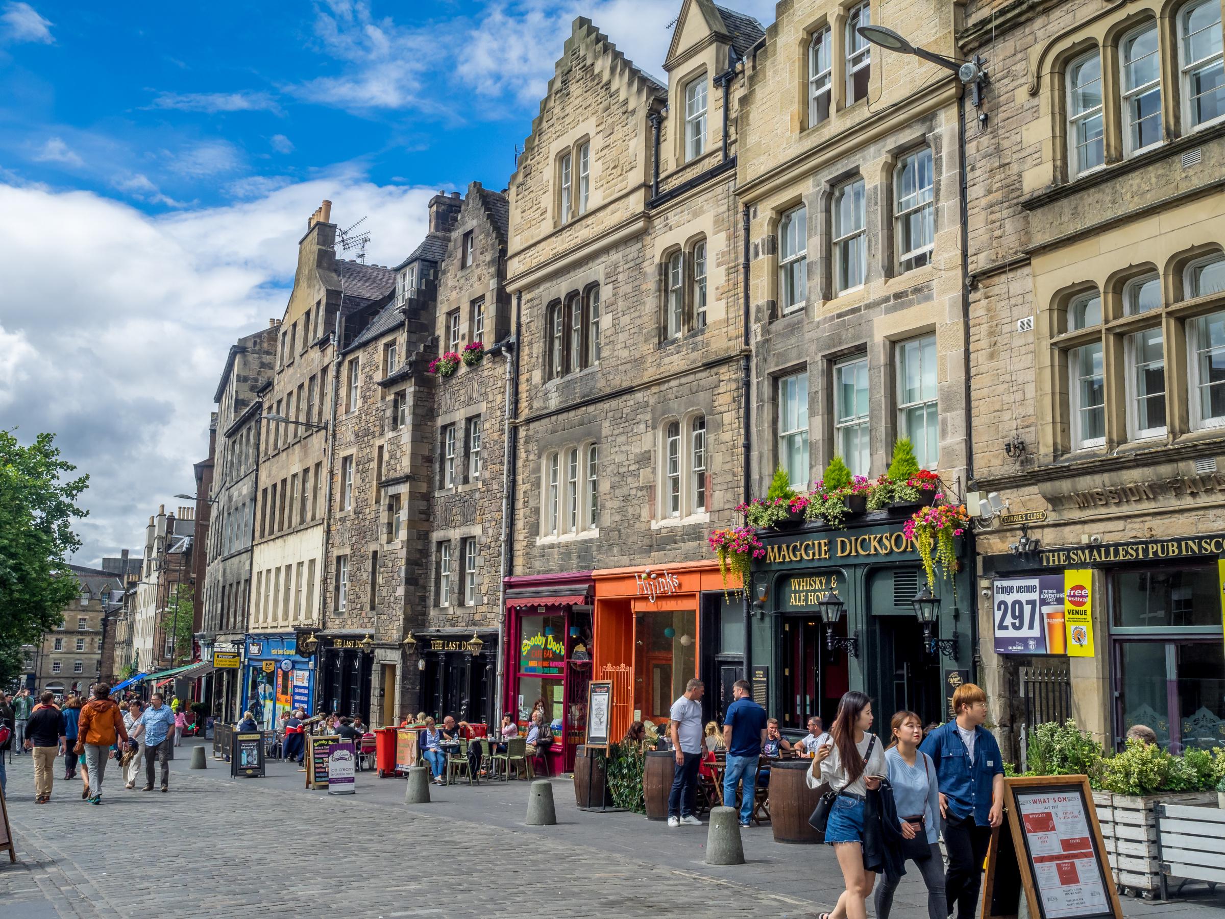 An Epic Edinburgh Walking Tour photo