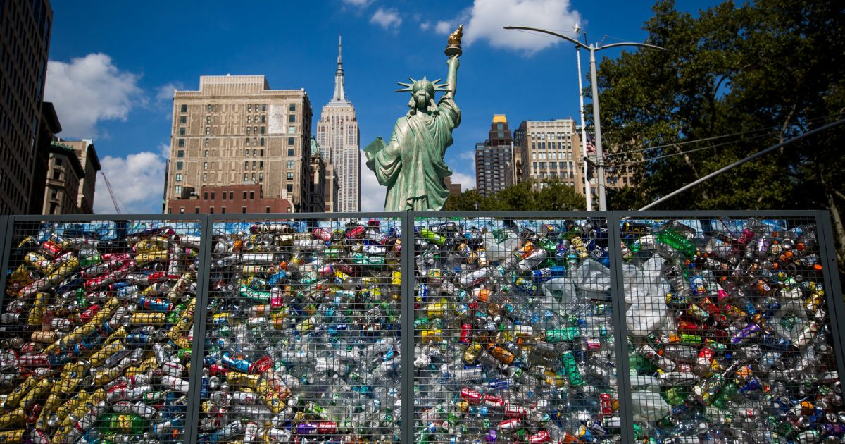 Israel's Sodastream Drowns Statue Of Liberty Replica In Plastic To Protest Waste photo