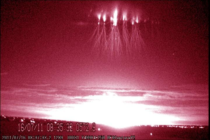 Scientists Locate Parent Lightning Strokes Of Sprites photo