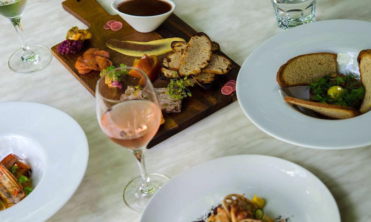 Ruby Chocolate, Lunch With Mismatch, Oggi Turns Three photo