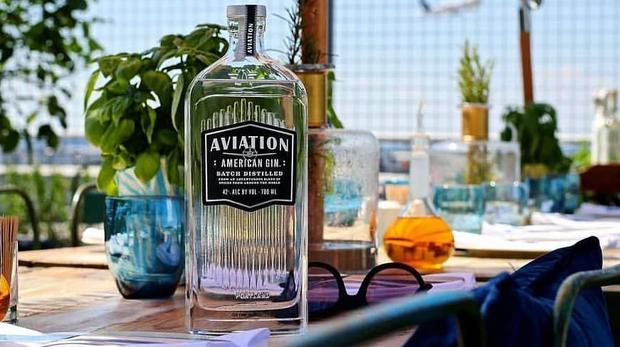 Sir Richard Branson Partners With Ryan Reynolds Gin photo
