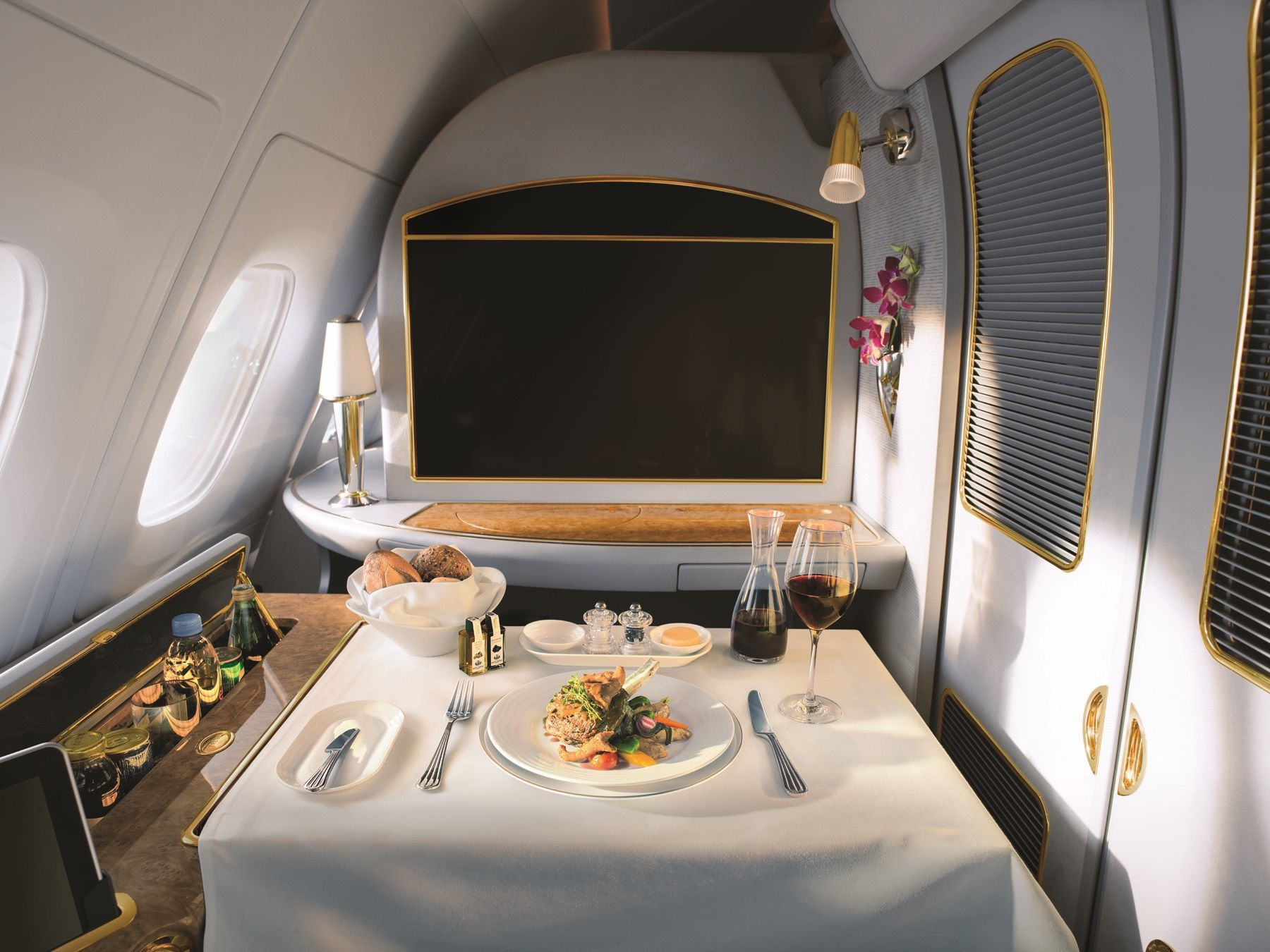 Emirates Expands On Inflight Entertainment, Launches Food And Wine Channel photo