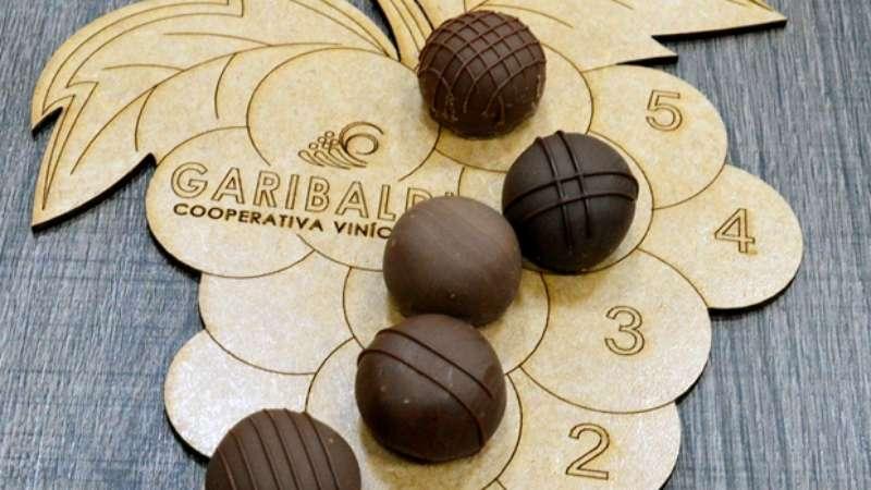 Atração Turística Combina Vinhos, Espumantes E Chocolates Na Serra Gaúcha photo