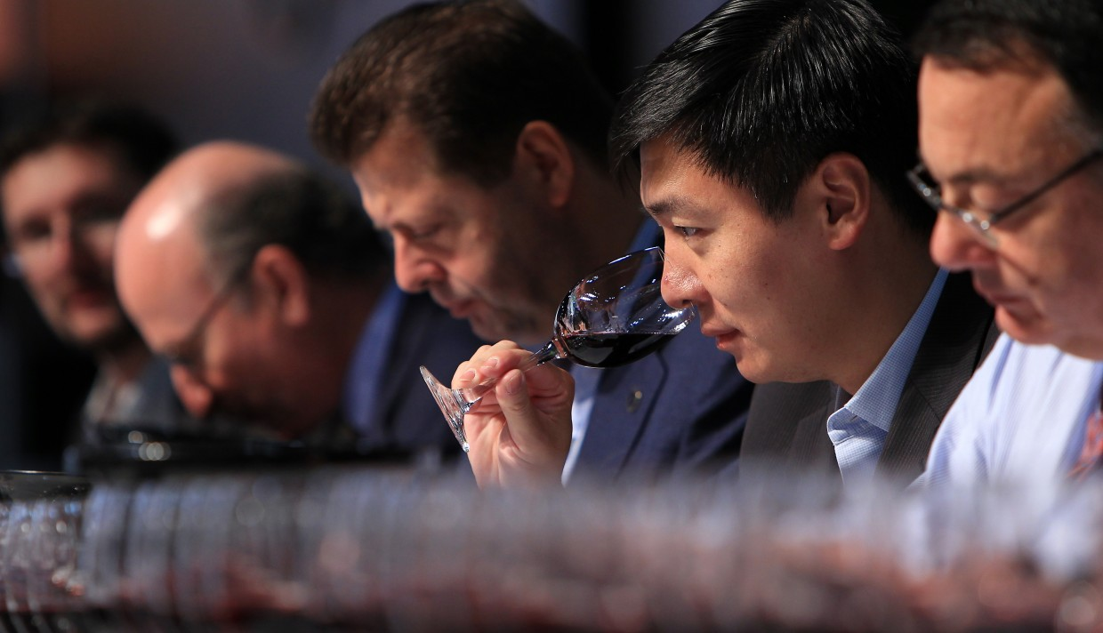 Four Simple Rules Experts To Follow To Pick A Winning Wine Every Time photo