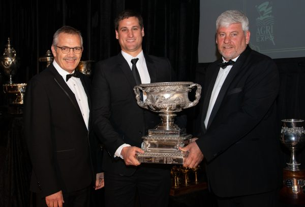 SA Champion Port Trophy For De Krans at SA Young Wine Show photo