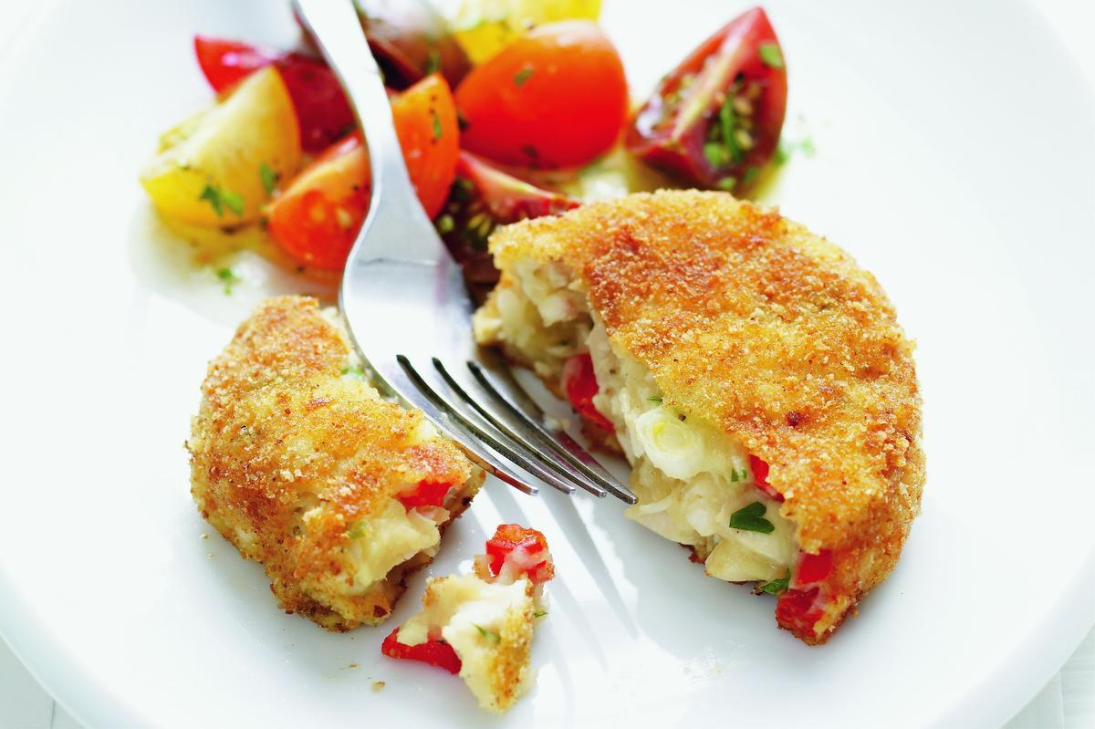 Mashed Potatoes Meet Chicken In This Crispy Chicken Patty — No Bun Required photo