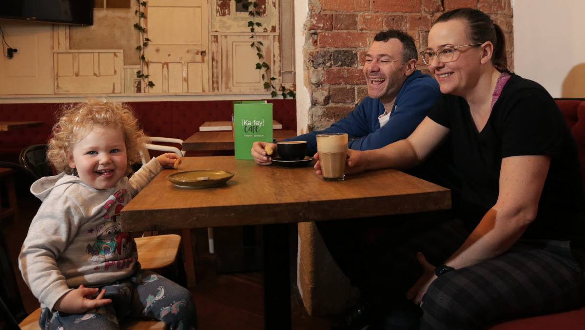 Motivated Couple Show How To Blend coffee With Community photo