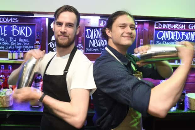 Edinburgh Gin Lovers Pack Corn Exchange For Weekend Event photo