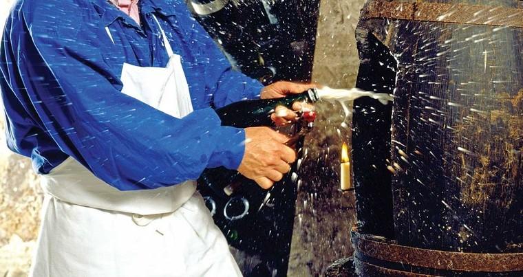 Qual A Importância Do Licor De Expedição Para Os Espumantes? · Revista Adega photo