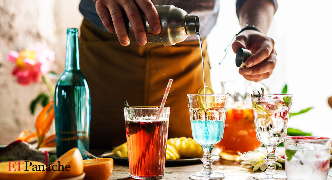 Kick Off The Festive Season With These Easy-to-make, Delicious Cocktails photo