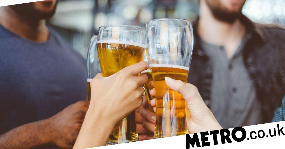 A Pub Wants To Pay Someone £500 To Drink Beer, Eat Food And Watch Sports photo